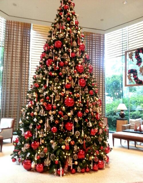 コンラッドホテルのゴージャスなツリー