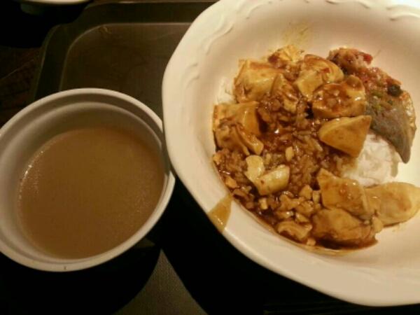 麻婆豆腐と魚の丼ぶり
