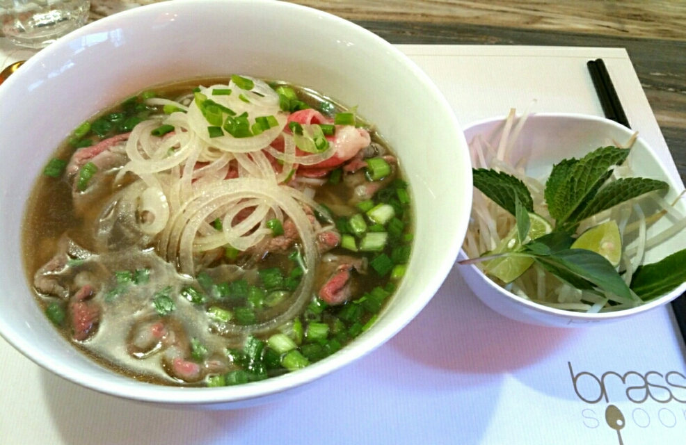 Raw beef noodle