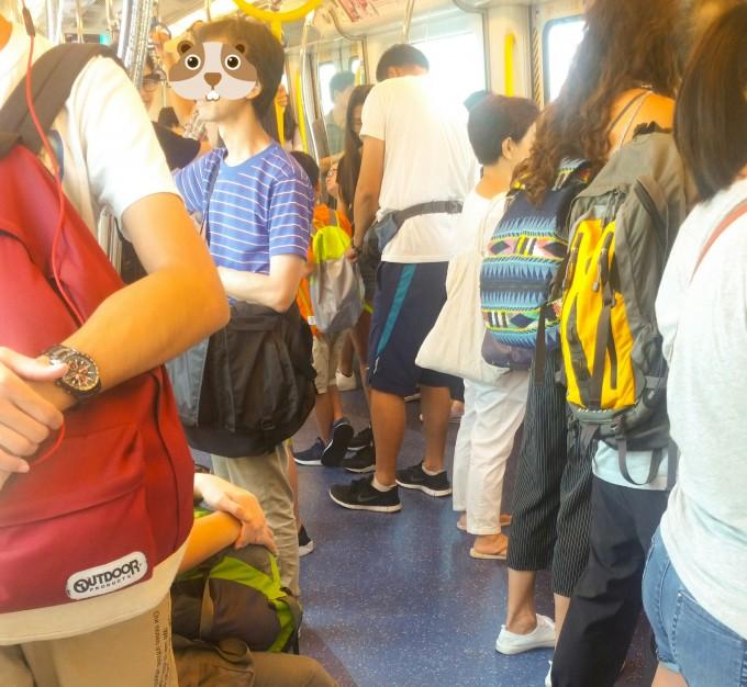 香港8月中旬の香港人の服