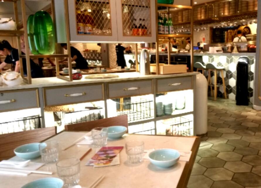 飲茶レストランのインテリア