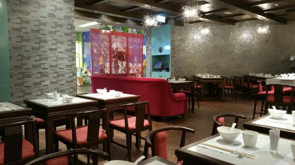 香港中華料理レストランの店内
