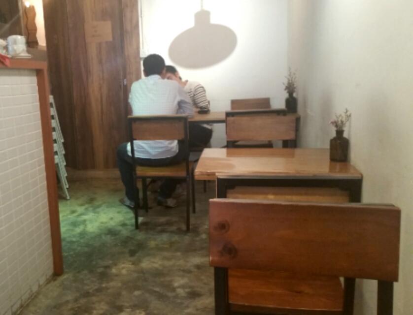 香港上環にあるカフェのインテリア