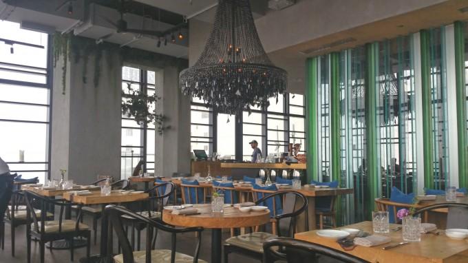 銅鑼湾レストラン店内