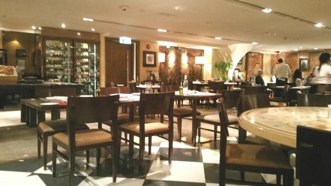 ホリデーインホテルのイタリアンレストラン