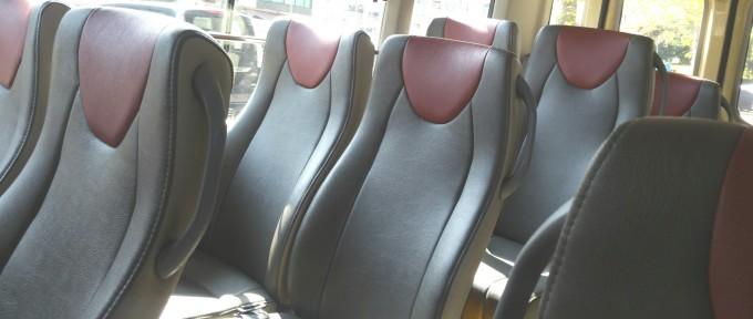 最新型ミニバスの座席