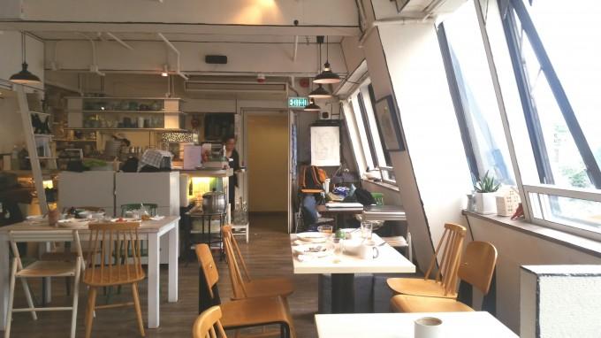 香港オシャレカフェの店内