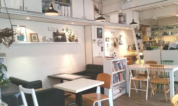 銅鑼湾カフェのインテリア