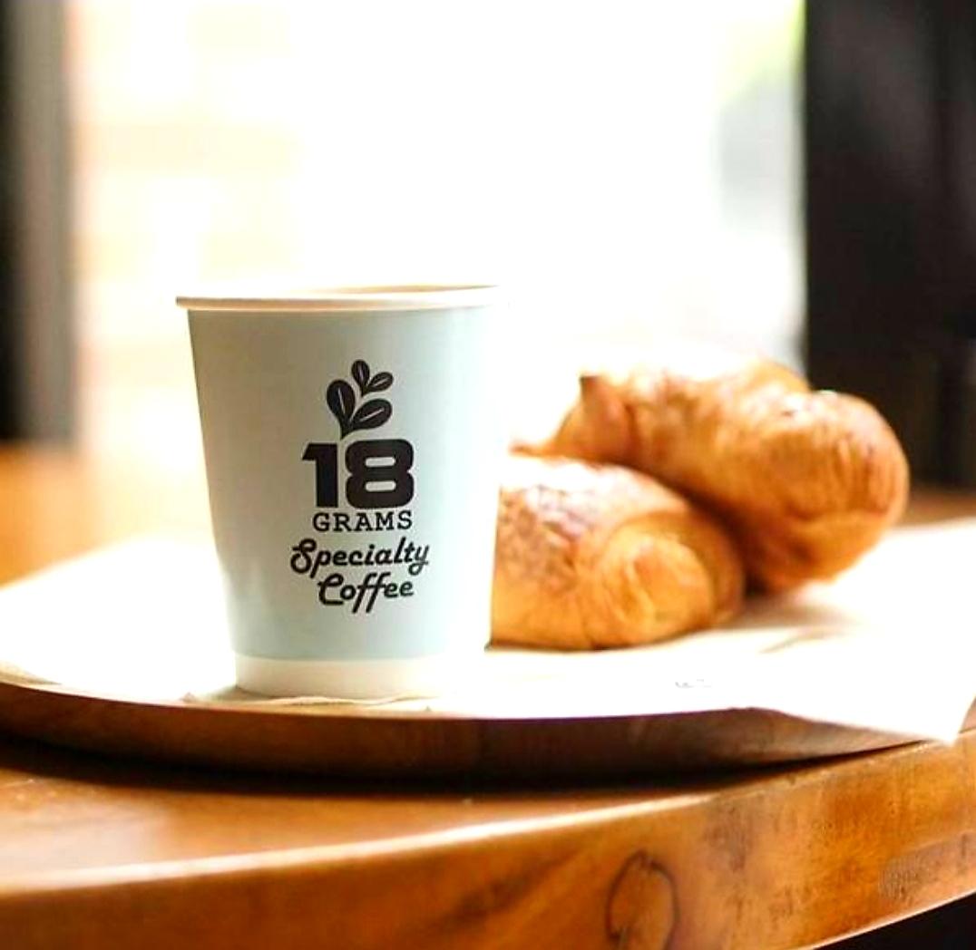 18gramsカフェ