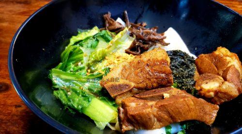 スペアリブのビャンビャン麺