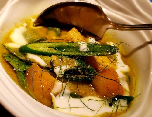タイ料理の野菜カレー